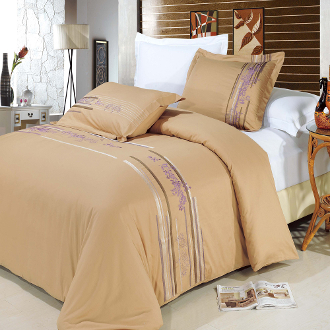 Tan Lavender, Mauve, White Cecilia 3 PC Duvet Cover Set