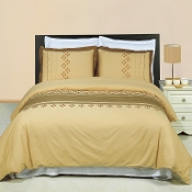 Lakewood.Embroidered 3 Piece Duvet Set