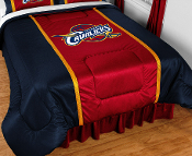 Sidelines comforters have 2 stripes on the top edges of the bed in the secondary team color, made of a porthole jersey.